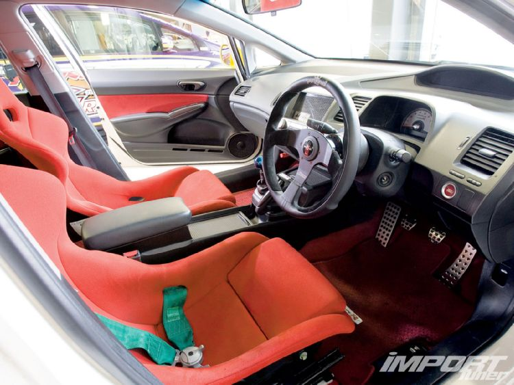 Тюнинг  Honda Civic Type R салон, сидения, панель.