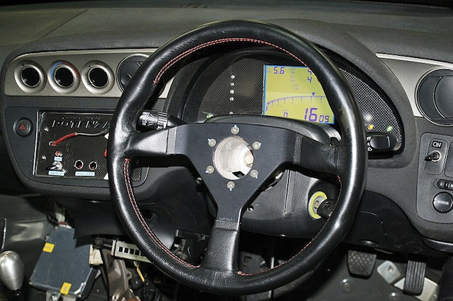 Тюнинг приборной панели Honda Integra DC5 от Spoon